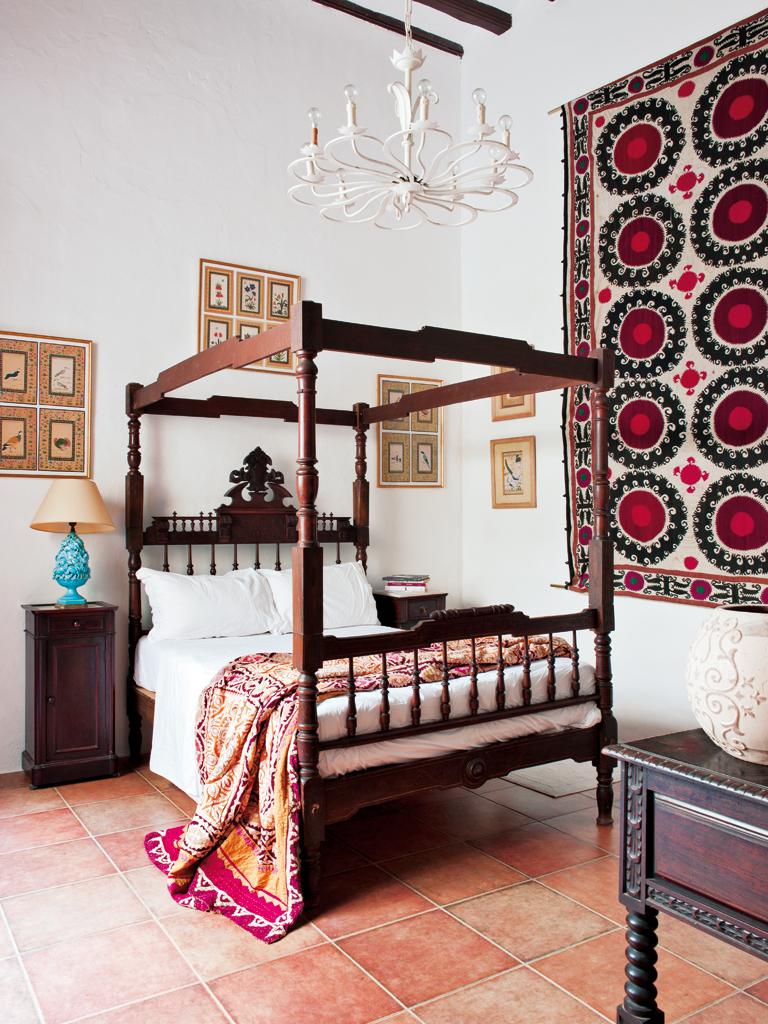Spanish Interiors By Color 5 Interior Decorating Ideas