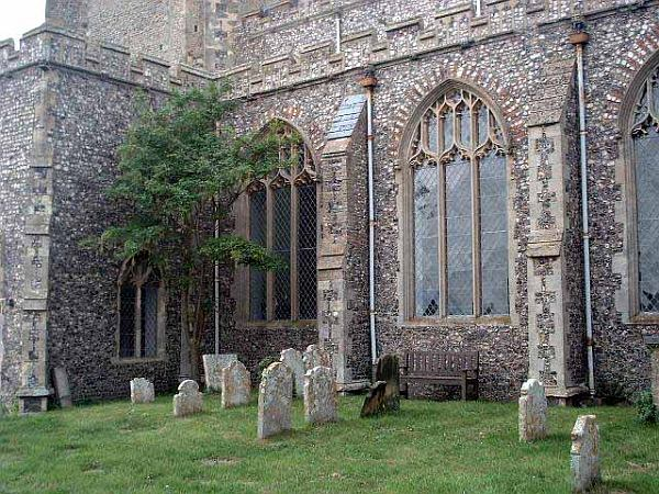 Saint Mary the Virgin Churchyard - Norfolk County , England