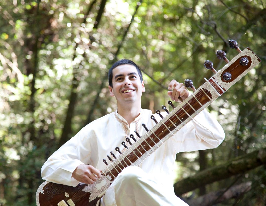 Alam-Khan_and_Arjun-Verma_Indian-Ensemble(pictured)Arjun-Verma(sitar)_photo-courtesy-of-artist