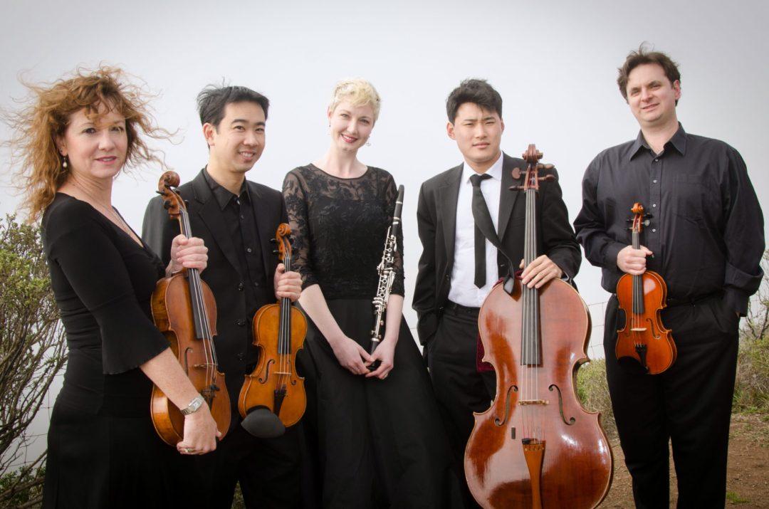 Farallon-Quintet(L-R)Elizabeth-Prior(Viola)_Matthew-Oshida(Violin)_Natalie-Parker(Clarinet)_Jonah-Kim(Cello)_Dan-Flanagan(Violin)_Photo-Norm-Levin2