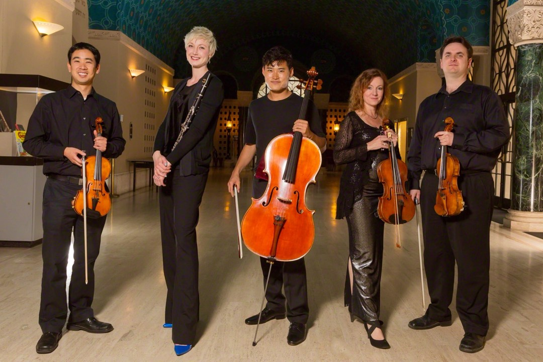 Farallon-Quintet(L-R)Matthew-Oshida(Violin)_Natalie-Parker(Clarinet)_Jonah-Kim(Cello)_Elizabeth-Prior(Viola)_Dan-Flanagan(Violin)_Photo-Grant-Goya
