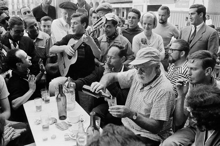 Ernest Hemingway durante los Sanfermines de 1959 (Pamplona, España) - Foto: Julio Ubiña