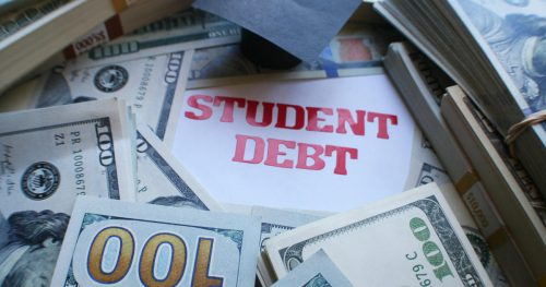 student debt istock 827628272 500x263 Student loan watchdog quits, saying U.S. has turned its back on young people