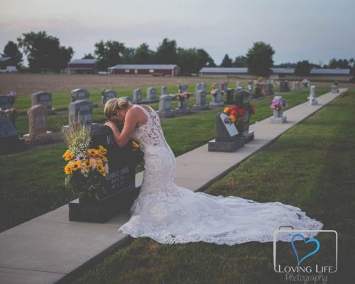 43123220 1122737397889563 713827782253084672 o 1 500x400 Indiana bride takes wedding photos alone to honor firefighter fiance killed by drunk driver