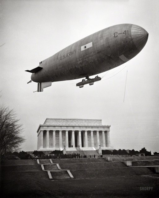 Lincoln Blimp