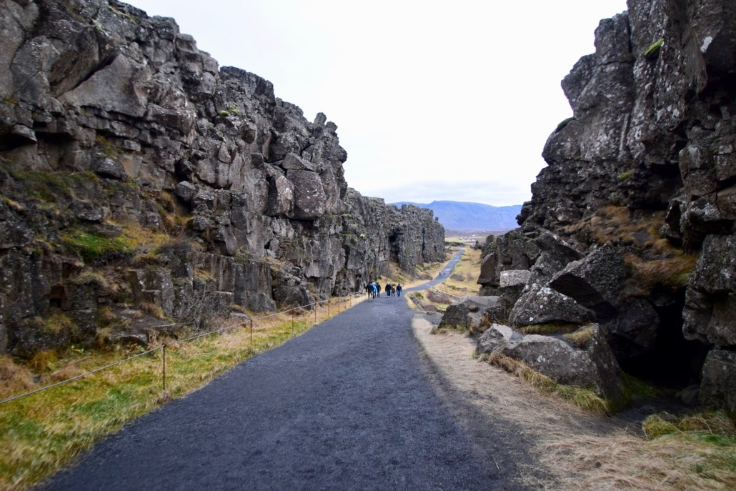 an image showing the Eurasian and North American plate separating