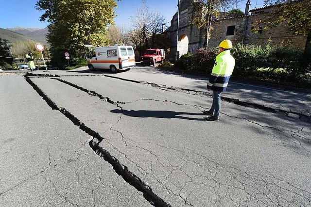 Image of a crack in the road caused by an earthquake