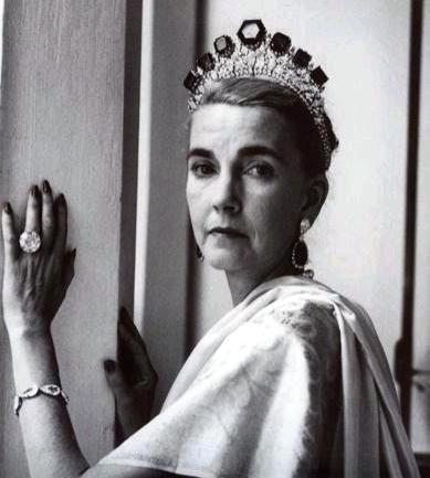 Barbara Hutton wearing the Romanov Tiara and Pasha Diamond Ring