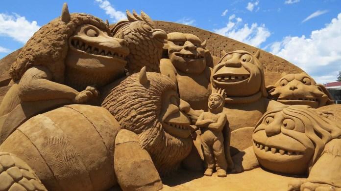 sand castle sculptures