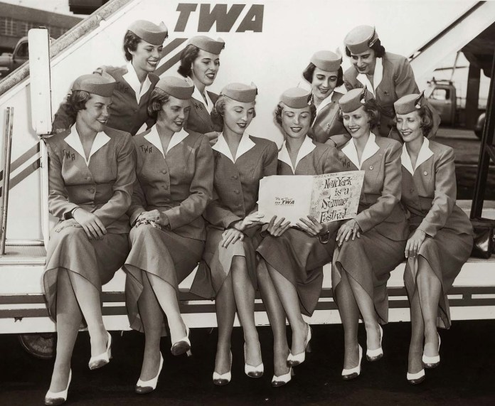retro-uniforms-of-flight-attendants-8
