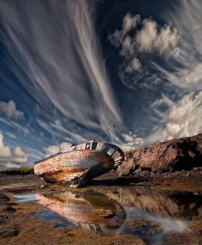 abandoned_ships_at_sea (7)