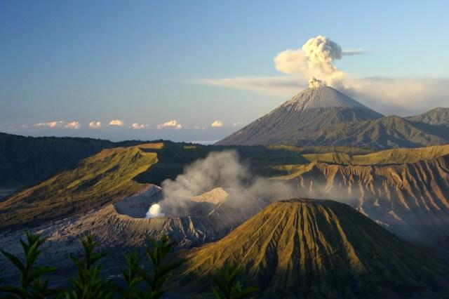 Bali_Mount_batur_and_lake_volcano_2