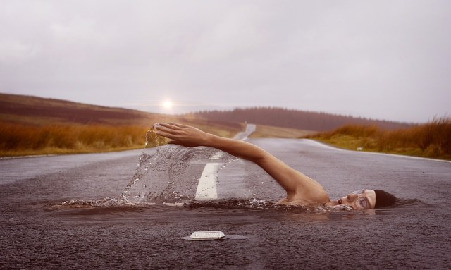 swimmer-how to make photo manipulation in photoshop