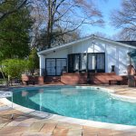 elvis-pool-graceland