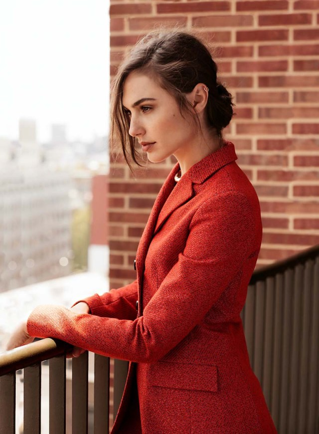 gal gadot cast as wonder woman in new superhero movie