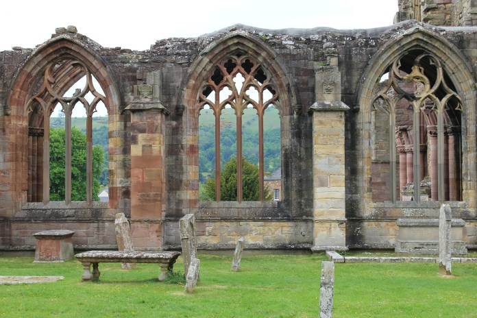 melrose-abbey-Borders_scotland