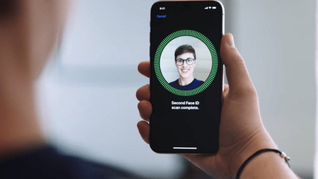 Apple-iPhone-X-face id