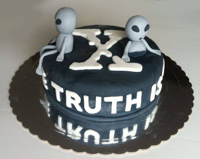 x files cake ideas