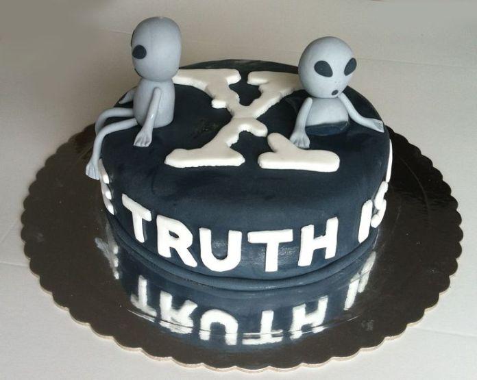 x files cake ideas