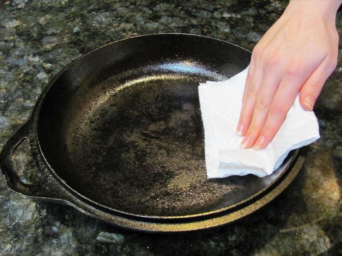 Clean Burned Pans