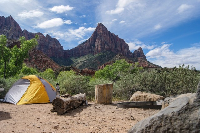ultimate packing guide for a memorable camping trip_3