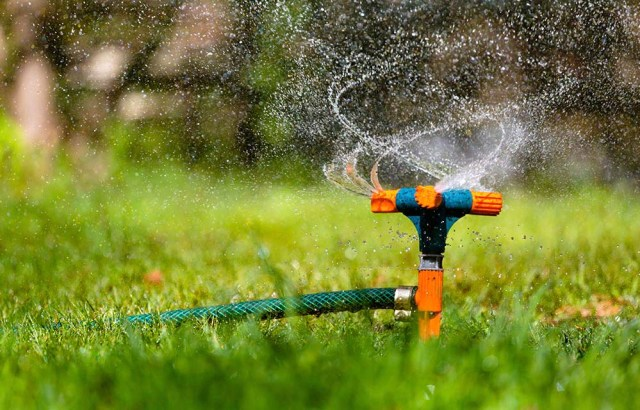 auto lawn sprinkler systems