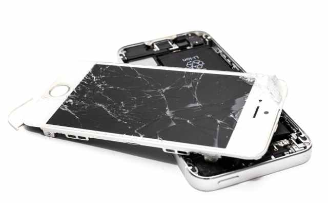 To Do Immediately if Your Phone Has a Cracked Screen