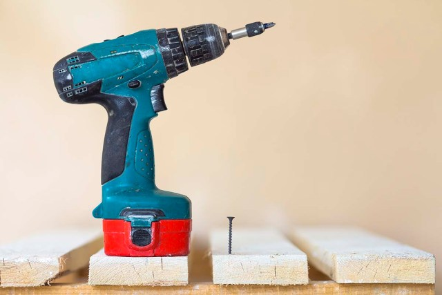 Cordless Drill to Have Batteries