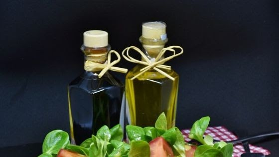 The Difference Between Standard Virgin Olive Oil & Extra Virgin Olive Oil