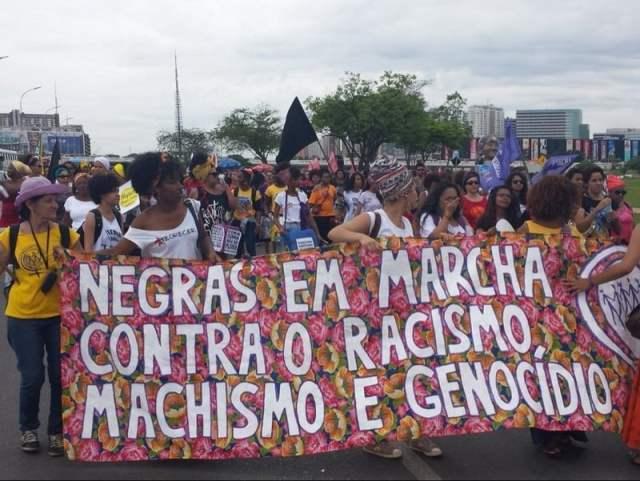 Marcha Mulheres 001