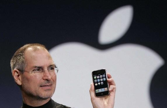 Hoy hace 3 años que falleció Steve Jobs y Tim Cook le homenajea con una carta