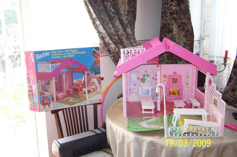 Barbie Dream House Kitchen