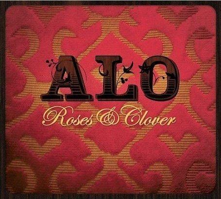Roses & Clover