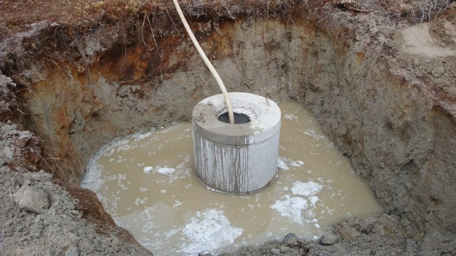 Installing the well crocks