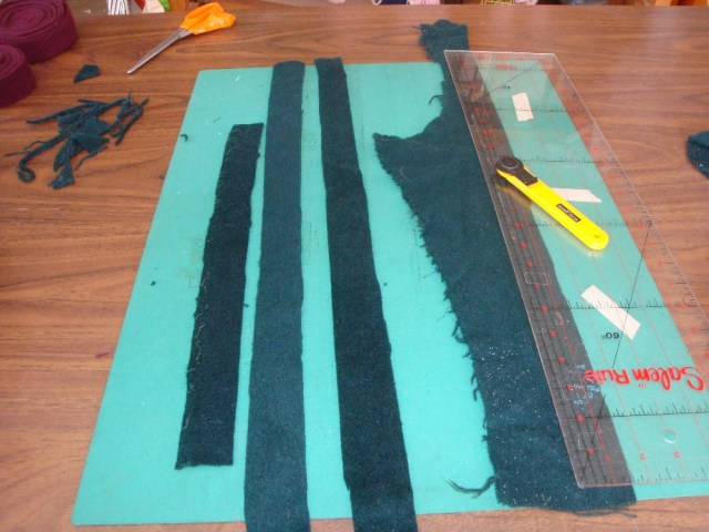 Cutting Rug Strips with Rotary Cutter and Mat