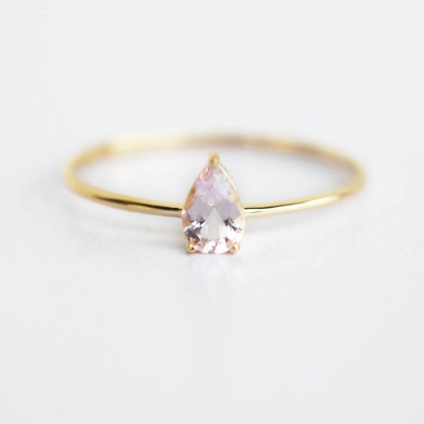 10 Breathtaking Pear-Shaped Engagement Rings from Etsy ...