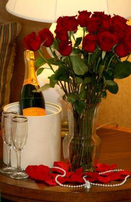 еротика с шампанско