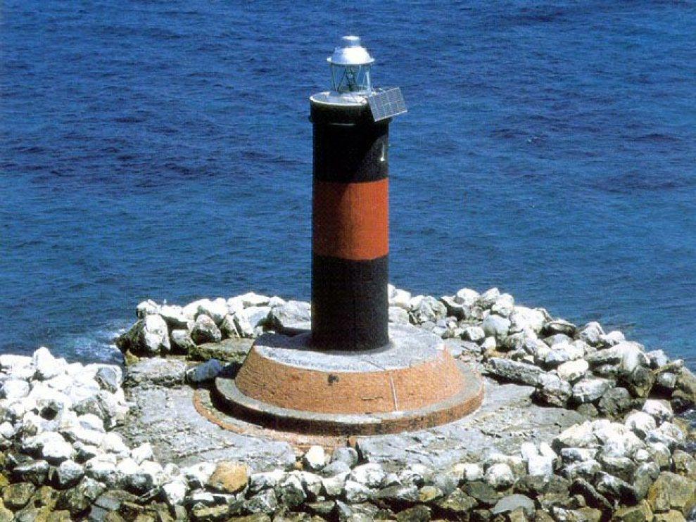 Faro di Vada - Vada lighthouse - intotheblue.it