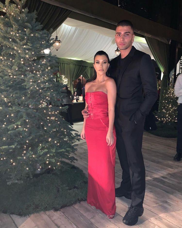 Kourtney Kardashian Posts Photo With Ex Younes Bendjima on ...