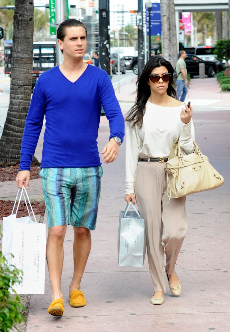 Kourtney Kardashian and Travis Barker Hold Hands: IG ...