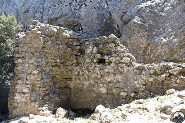 ruderi-pietra-castello