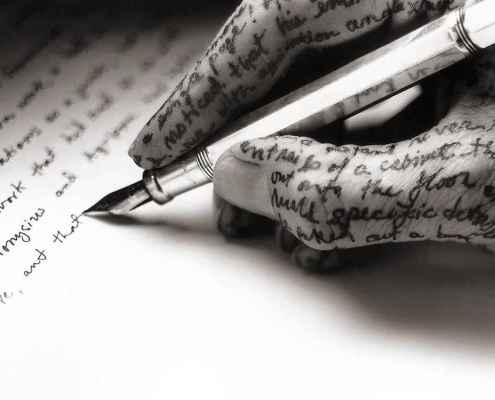 Gerindo emoções difíceis através da escrita