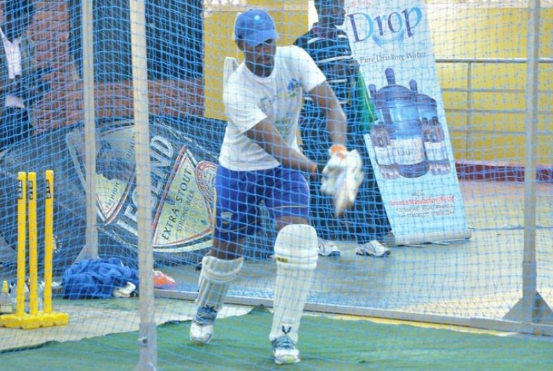 Dusingizimana Eric agarura udupira bamuteraga twa Cricket.