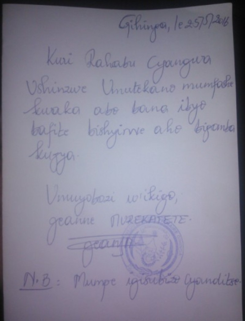Urwandiko rw'umuyobozi w'ikigo rwaherekeje abanyeshuri ku karere.
