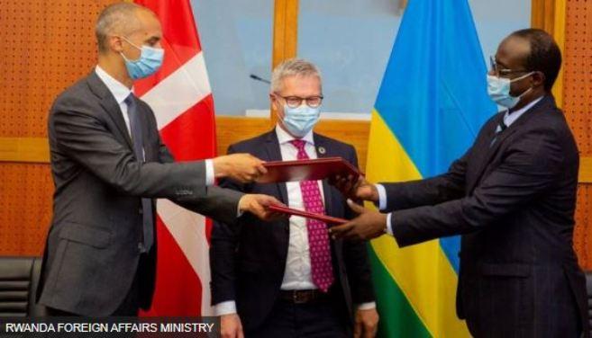 Kohereza mu Rwanda abasaba ubuhungiro muri Denmark biravugisha benshi amangambure