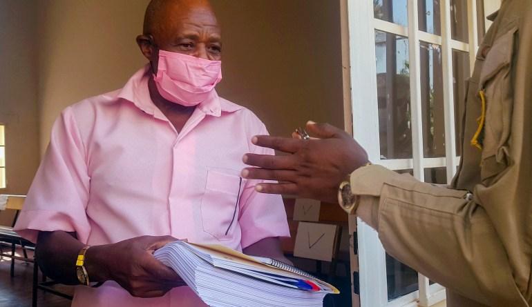 Rusesabagina Paul wivugiye mu rukiko ko ari impfubyi ya Loni/UN yakatiwe imyaka 25 y'igifungo