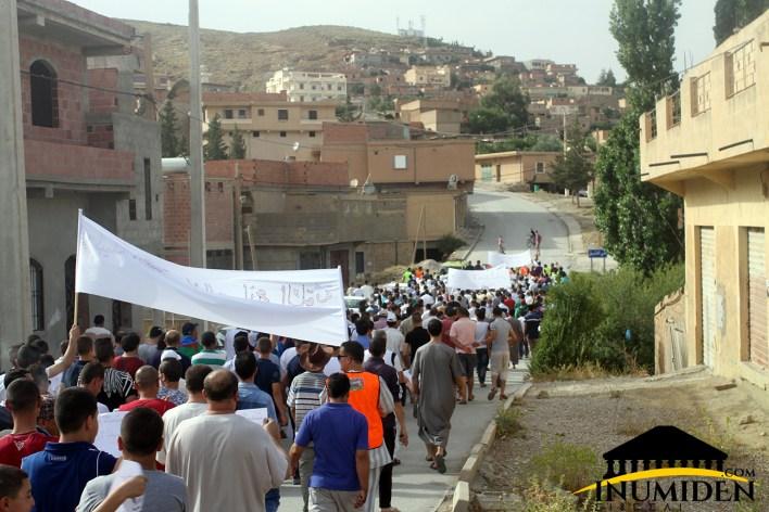 مسيرة لا لمصنع الإسمنت إيغزر نثاقا واد الطاقة بوحمار باتنة إينوميدن.كوم (13)