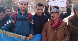 L'artiste Nouredine Taberha lors du Sit-in en faveur de Tamazight à Biskra