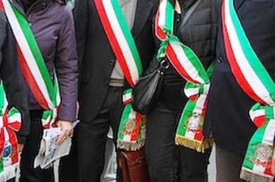 Comuni, i sindaci PD del Nord contro Renzi. E in Sicilia? Muti, tanto pagano i cittadini