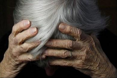 Palermo, storia di un pensionato finito a chiedere l'elemosina davanti a un bancomat